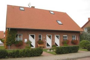 Haus von vorn-400x300